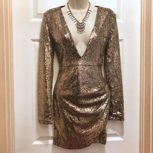 Dresses & Skirts - Gold Sequins Dress